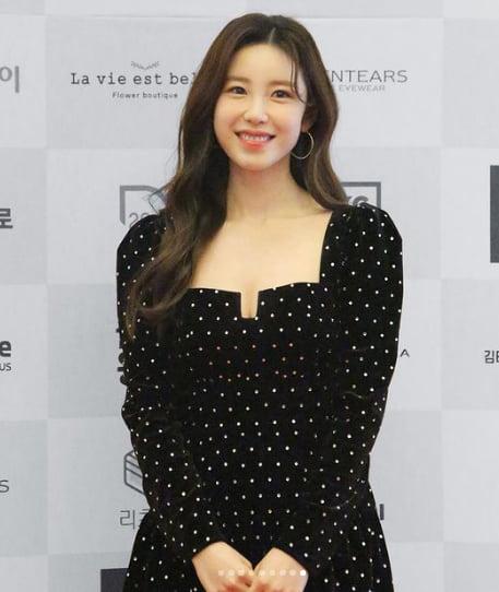 '베이글녀→뷰티아이콘' 전효성, 마스크도 못감춘 청순美[TEN★]