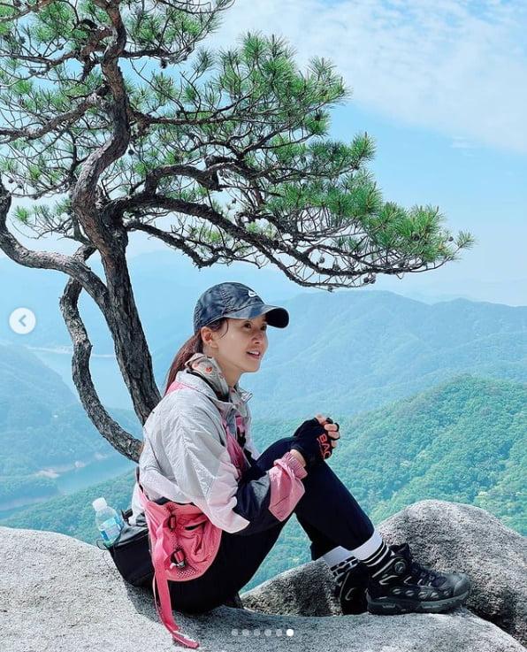 """이시영 """"오봉산 절벽위에서 아찔한 한 컷 충전완료""""[TEN★]"""