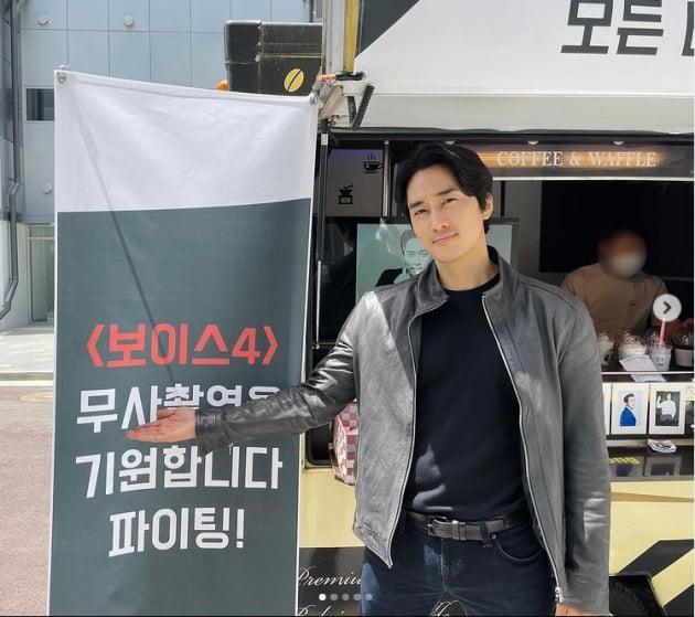 송승헌 '20년째 특이한 놈 소지섭 커피차 고마우 다음에 성함 좀 같이...' [TEN★]