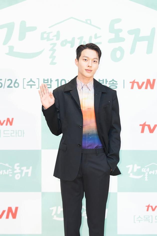 배우 장기용이 26일 오전 온라인 생중계된 tvN 새 수목드라마 '간 떨어지는 동거' 제작발표회에 참석했다. /사진제공=tvN