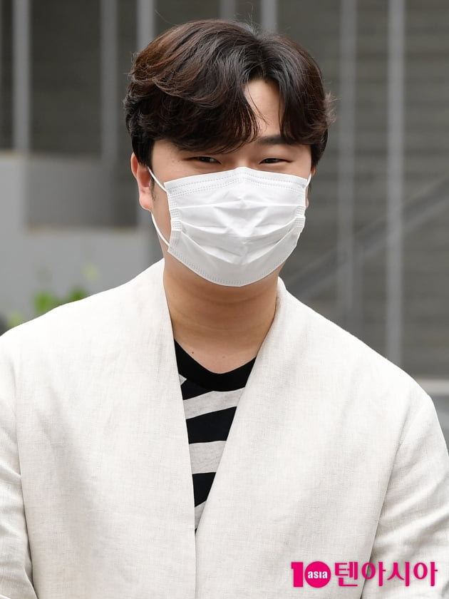 [TEN 포토] 라비던스 고영열 '애교 눈웃음'