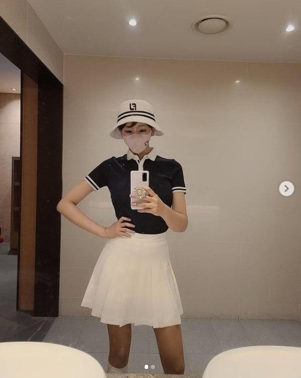 """181cm LPG 한영 '필드룩' """"긴 치마로 가리지 못한 각선미' [TEN★]"""