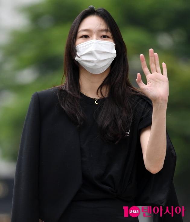 [TEN 포토] 이솜 '오늘도 열일하는 미모'