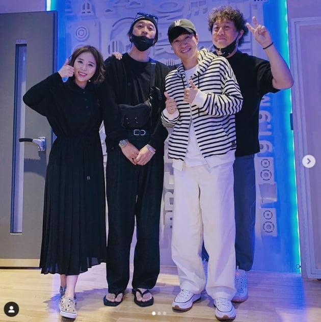 신지 응원온 코요태 멤버들…찐우정[TEN★]