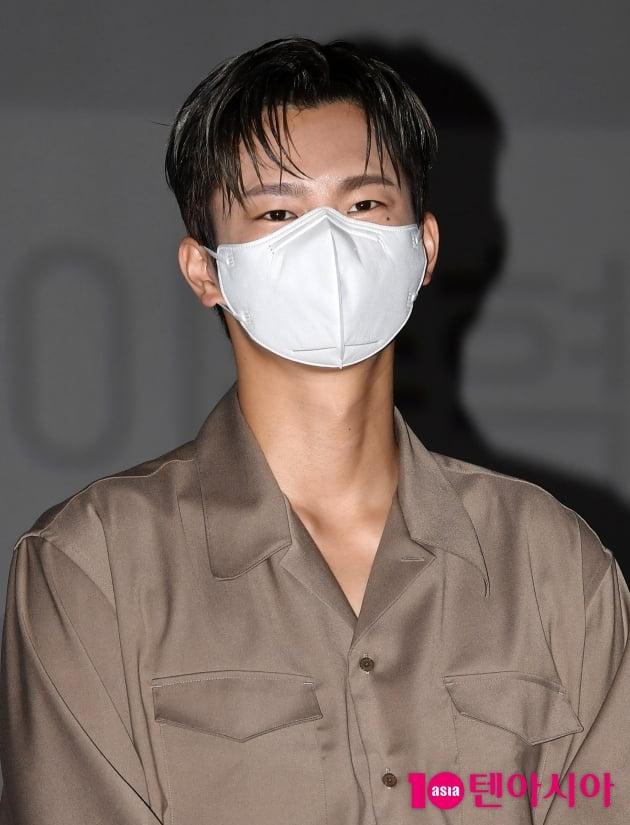 [TEN 포토] 서인국 '마스크를 해도 잘생김 '