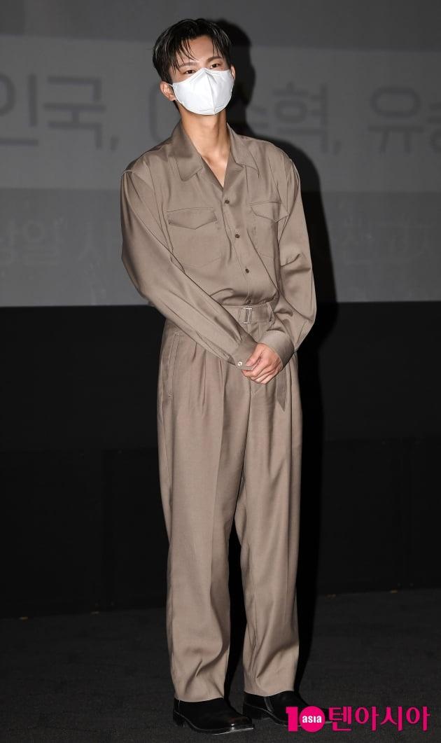 [TEN 포토] 서인국 '작심하고 꾸민 독특한 패션'