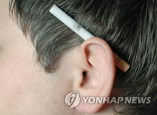 """""""당뇨병 환자, 흡연하면 노인성 난청 발생 확률 2배 증가"""""""