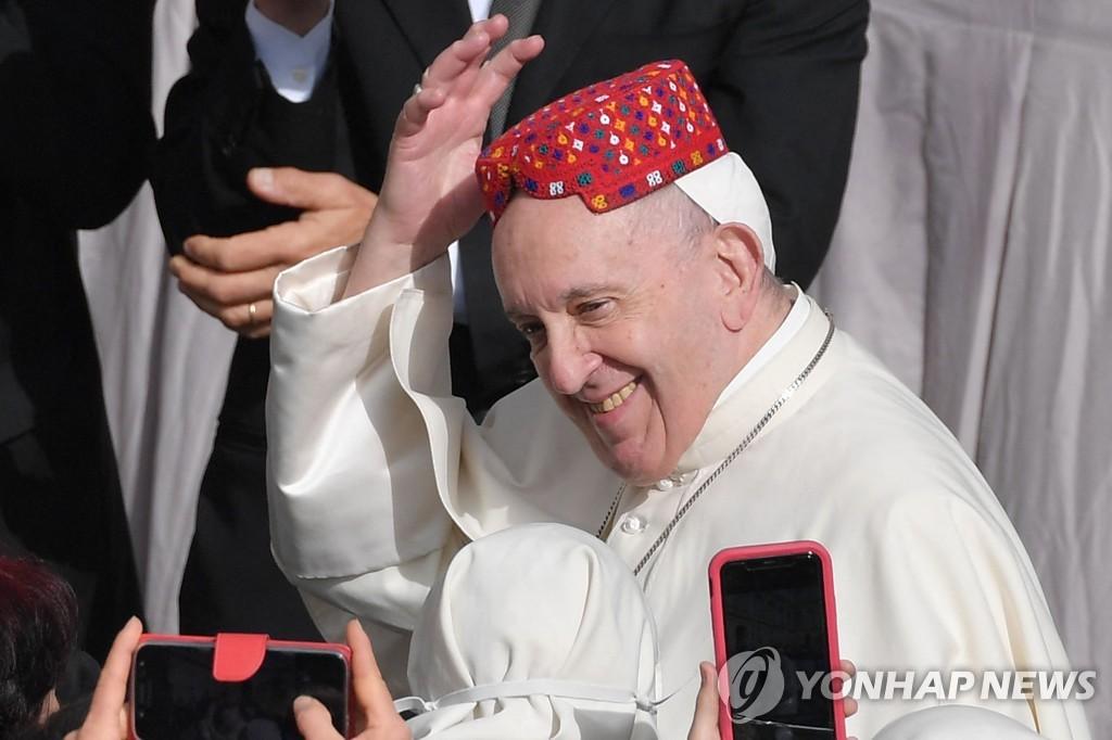 교황, 평신도가 맡는 '교리교사' 정식 교회 직무로 인정