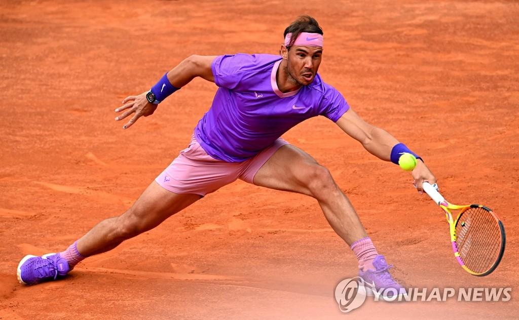 나달, 이탈리아 테니스 4강행…츠베레프에 일주일 전 패배 설욕