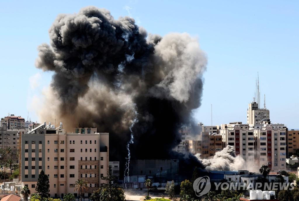 이스라엘군, 가자지구 내  AP 등 외신 입주 건물 폭격(종합)