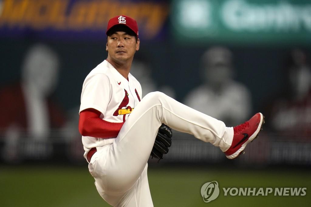 [고침] 스포츠('4회 위기 버틴' 김광현, 4이닝 1실점…시…)
