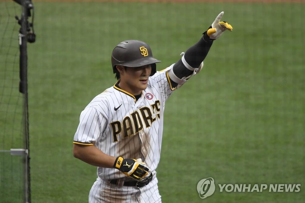 샌디에이고 김하성, 시즌 2호 홈런 폭발…웨인라이트 공략 성공(종합)