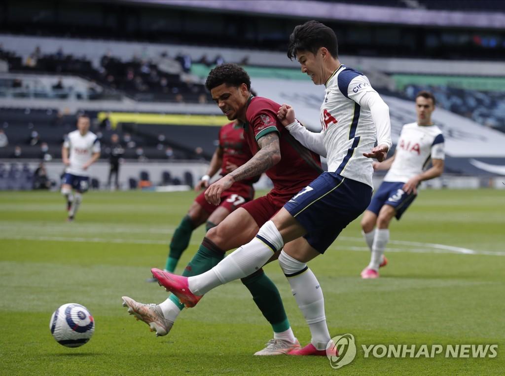 '손흥민 풀타임' 토트넘, 울버햄프턴에 2-0 완승…6위 도약