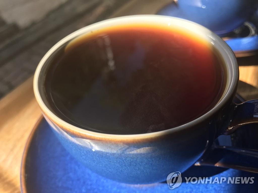 커피는 건강에 이로울까 해로울까…통계적 추론 함정 찾기