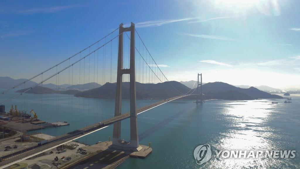 여수-광양 '이순신대교' 보강공사 본격화…8월 말까지 완료