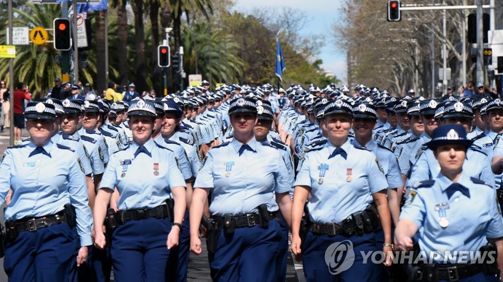 호주서 '여성 경찰 50% 채용 할당제' 남성 역차별 논란