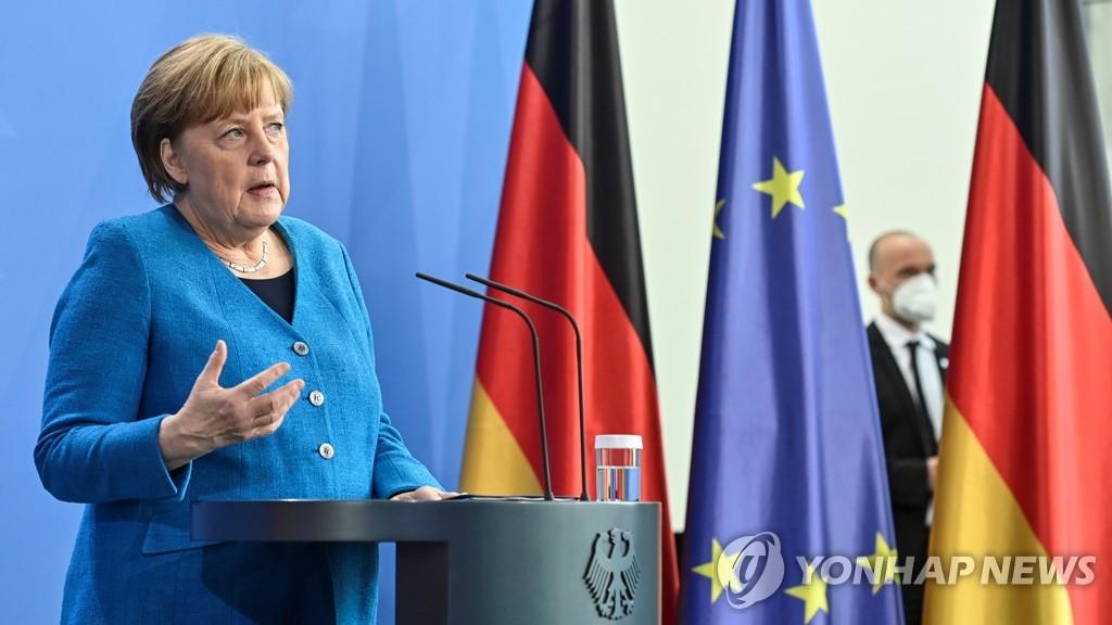 """백신 지재권 면제 논의 꼬이나…EU """"미국 수출부터 풀어라"""""""