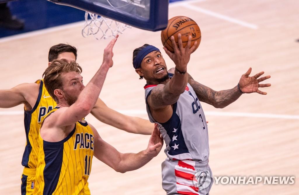 NBA 커리 vs 빌, 득점왕 경쟁…볼 vs 에드워즈는 신인왕 다툼