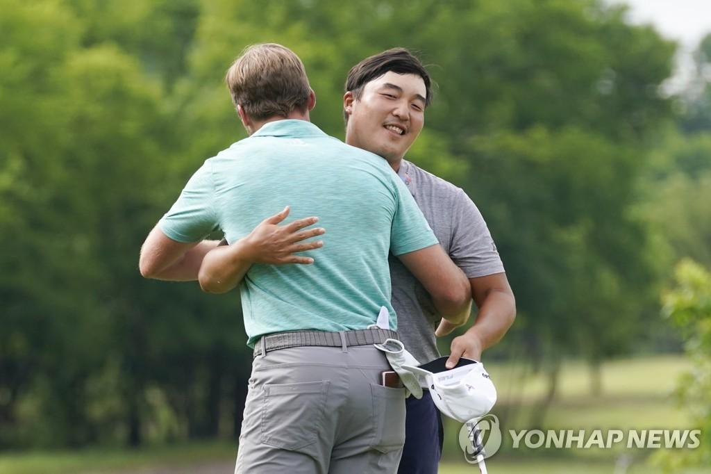 "PGA 투어 첫 승 이경훈 ""축하 메시지 300여개…꿈 같은 느낌"""