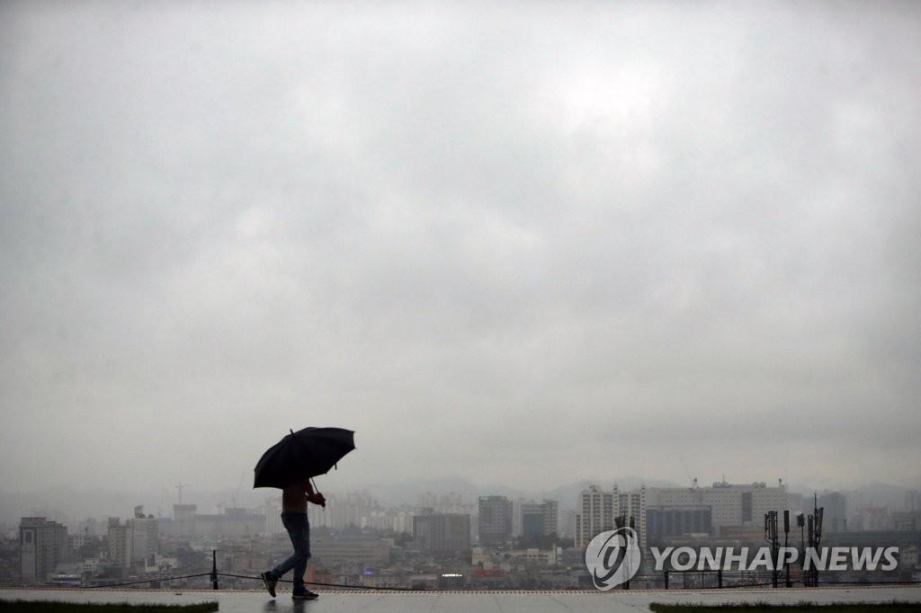 대구·경북 흐리고 비…예상 강수량 10~40mm