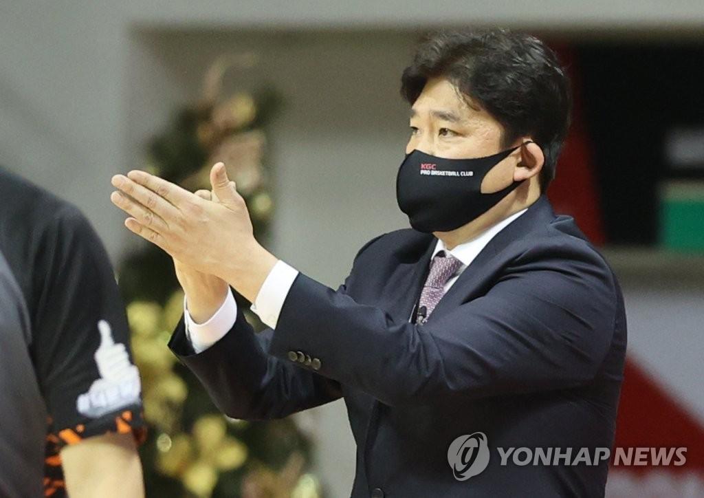'그분'도 넘어선 KGC 김승기 감독…'PO 최고 승부사'로 우뚝