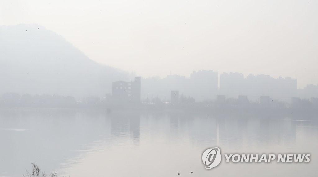 강원 내륙·산지 짙은 안개…낮 최고 31도까지 올라 더워