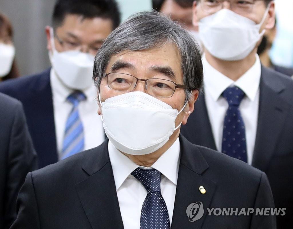 금감원, 수석 부원장 대행 체제로…내일 윤석헌 원장 이임식