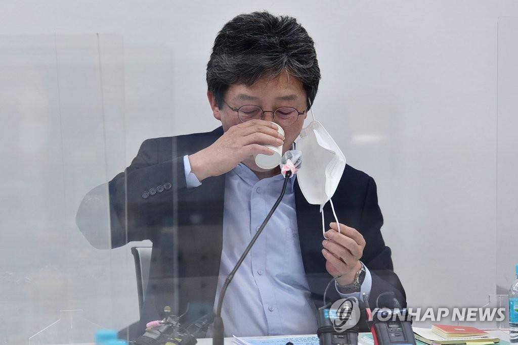 """유승민 """"디지털 인재 100만 양성해야"""""""