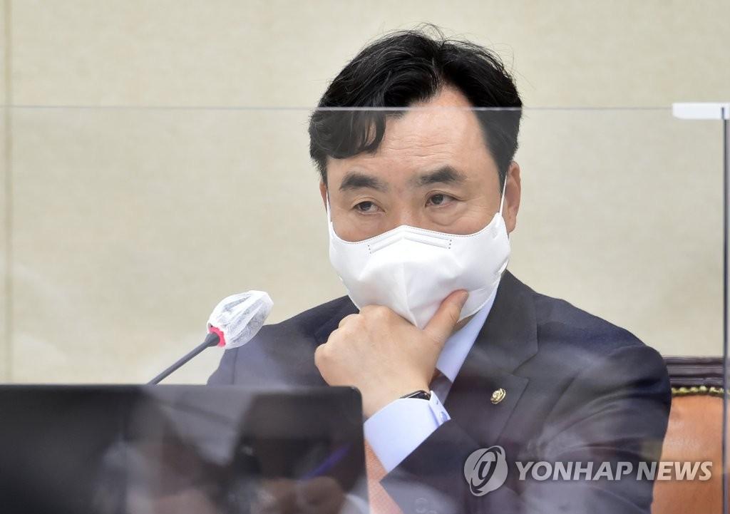 민주당 신임 사무총장에 윤관석…비주류 전면 포진