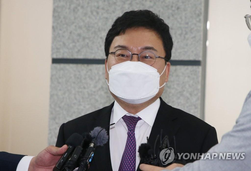 '닮은 꼴' 박삼구·이상직…횡령 의혹에 구속된 전 오너들