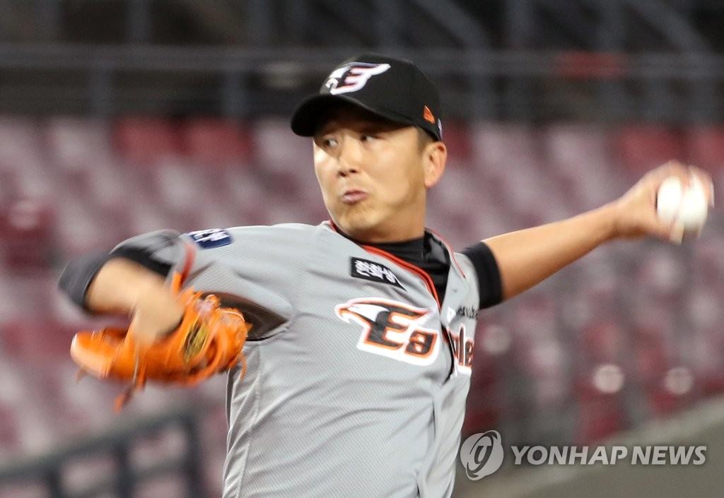 '유희관 첫 무실점' 두산, KIA전 9연승…SSG도 더블헤더 독식(종합)