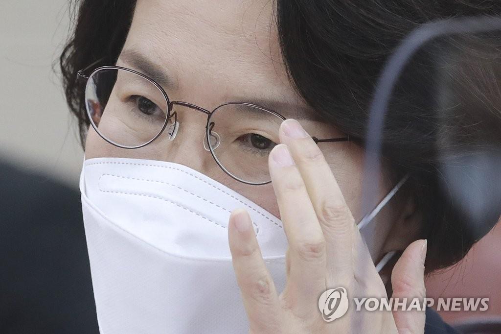 """임혜숙, 각종 논란에 """"사려 깊지 못했다. 송구스러워"""""""