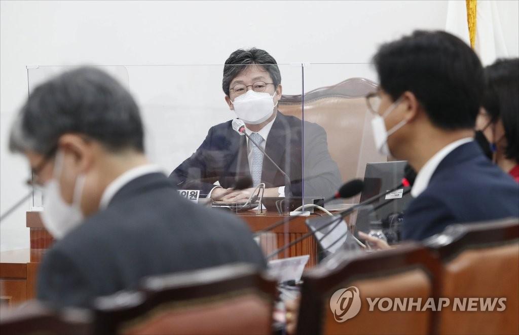"""정치권 달구는 '2030' 구애 공약…與일각 """"퍼주기 안돼""""(종합)"""