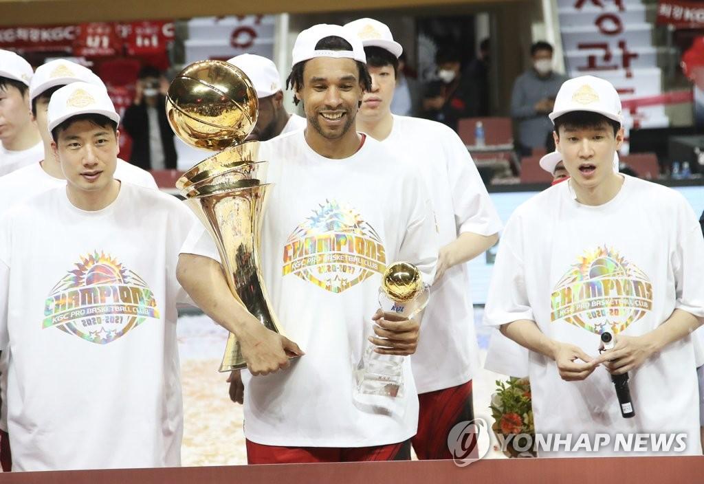 """'NBA 재입성' 발판 마련한 설린저 """"인삼공사에 빚을 졌다"""""""