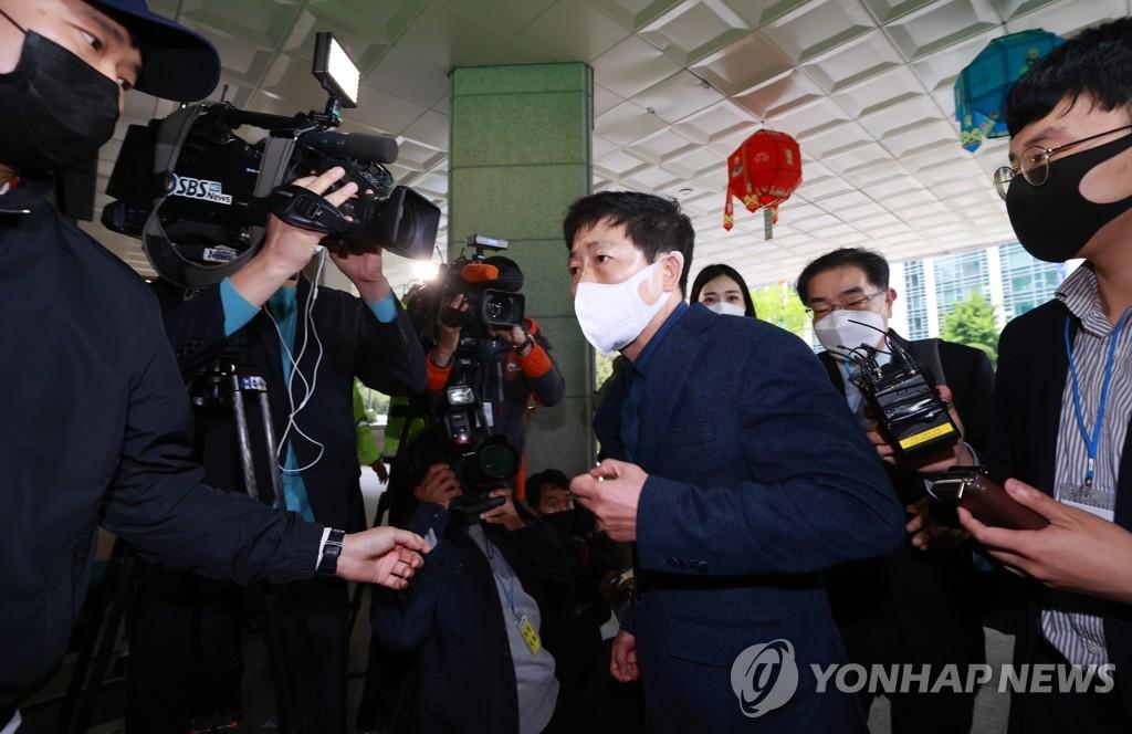 경찰, '대북전단 살포' 박상학 소환…피의자 신분(종합)
