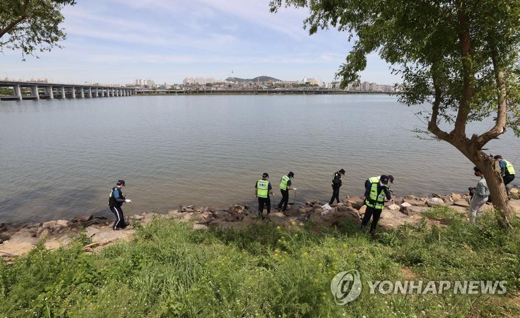 '한강 사망 대학생' 목격자 2명 추가 확인…사진 확보(종합)