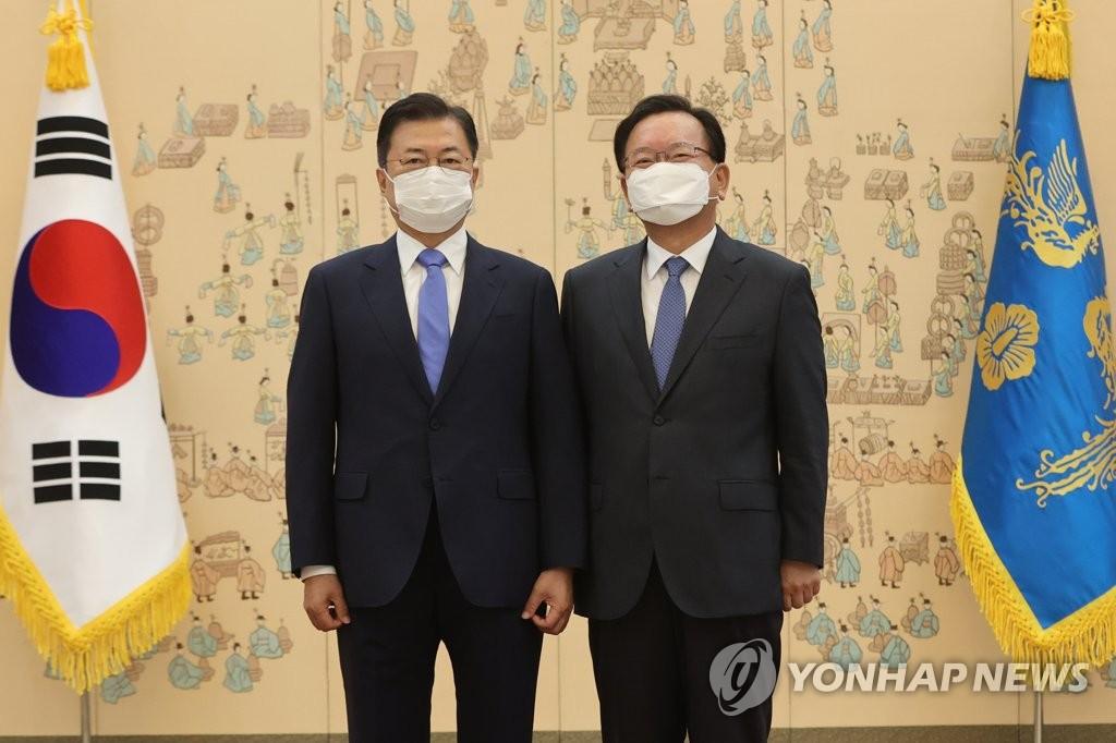 """김부겸 총리 취임…""""부동산정책 더이상 실망드리지 않겠다"""""""