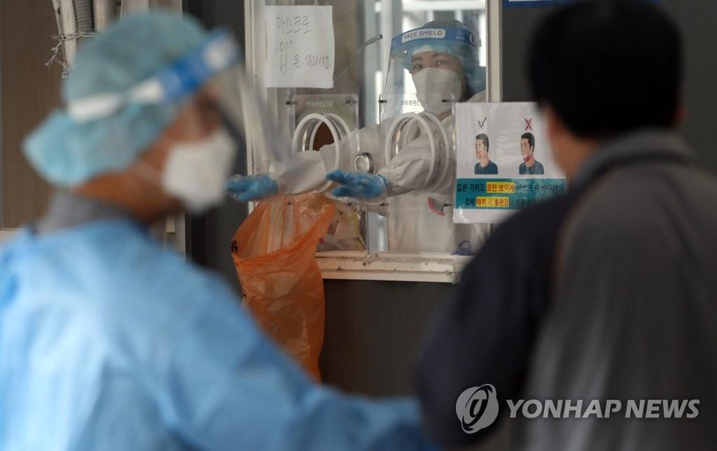 경기 164명 신규확진…공장·어학원서 계속 늘어