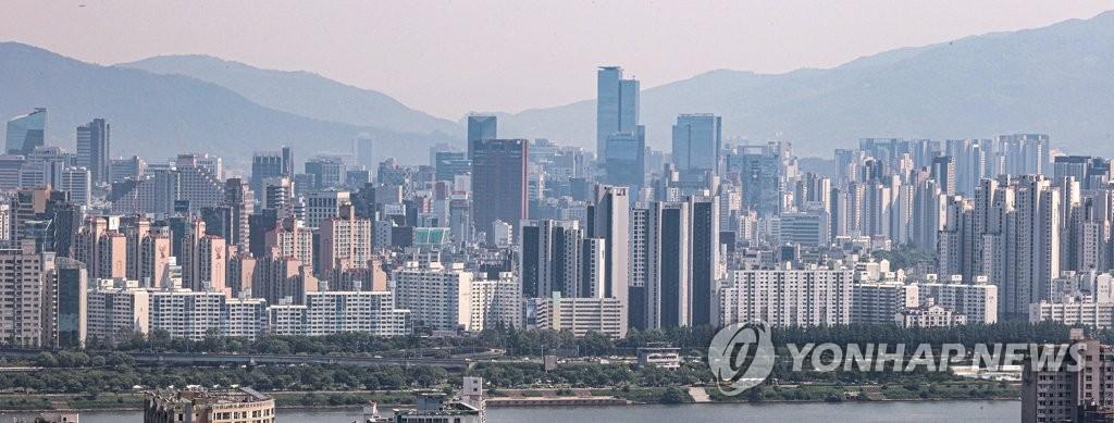 서울 아파트값 재건축 중심 강세 계속…2주 연속 0.1% 상승