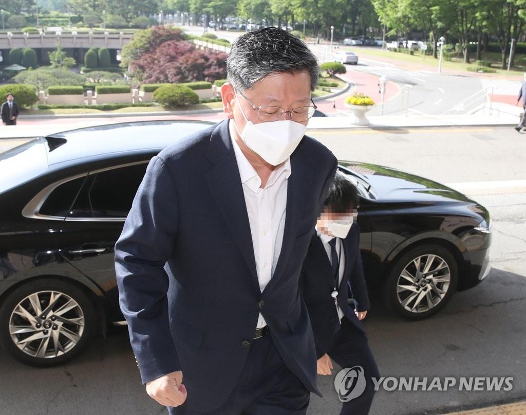 이용구 '공수처장 거론' 알았던 경찰…짙어진 봐주기 의혹