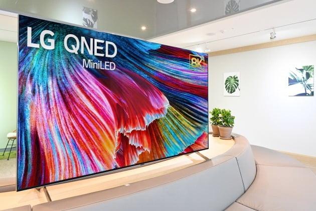 사진은 퀀텀 나노셀 컬러 테크놀로지'를 적용한 미니LED TV 'LG QNED TV'. 2020.12.29 [사진=LG전자 제공]