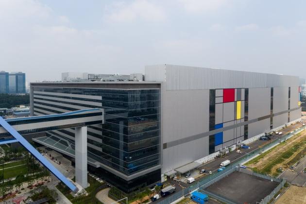 삼성전자, 차세대 '8나노 공정 기술' 개발