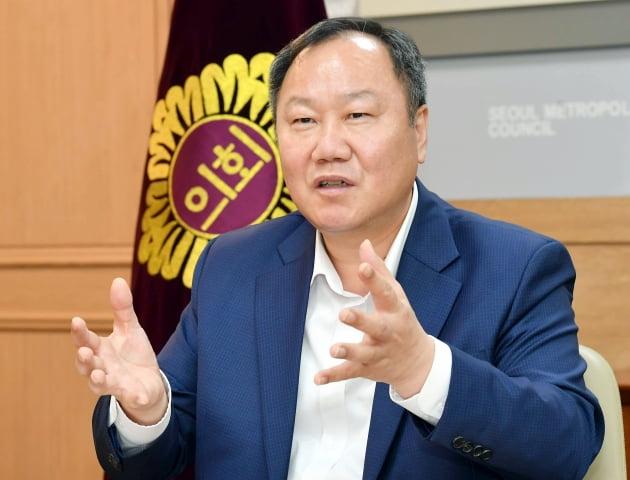 """""""모든 서울시민에게 10만원""""…김인호 의장, 吳시장에 제안"""