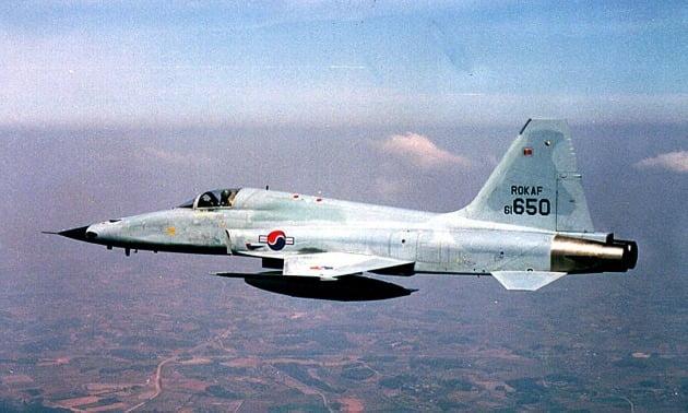 첫 민간 경매에 나왔으나 끝내 유찰된 F-5E 전투기 /한경DB