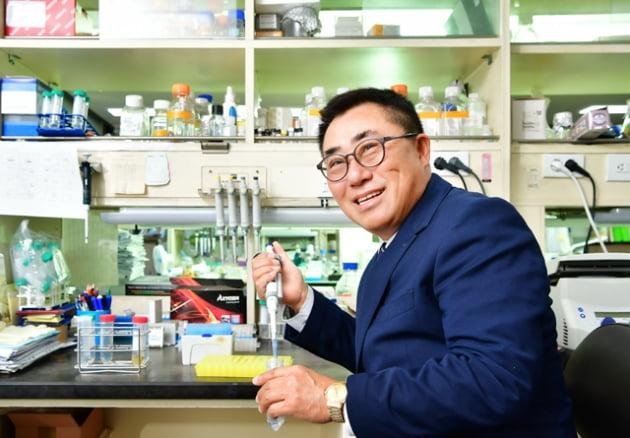 """[전남대기술지주회사 초기창업패키지] 최현일바이오랩, """"살모넬라 균 활용해 종양 치료 할 수 있어"""""""