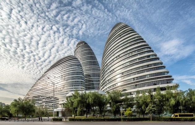 자하 하디드가 디자인한 베이징 왕징소호. 자하하디드닷컴