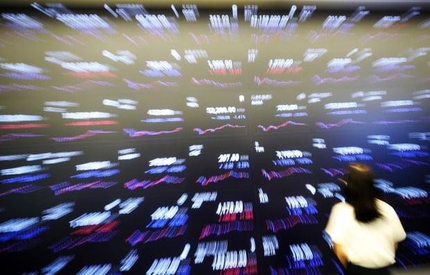 19일 오후 5시20분 기준 해외 가상자산(암호화폐) 거래소 바이낸스에서 비트코인은 24시간 전 대비 5.82% 급락한 3만5705달러(약 4041만원)에 거래되고 있다. 사진=연합뉴스