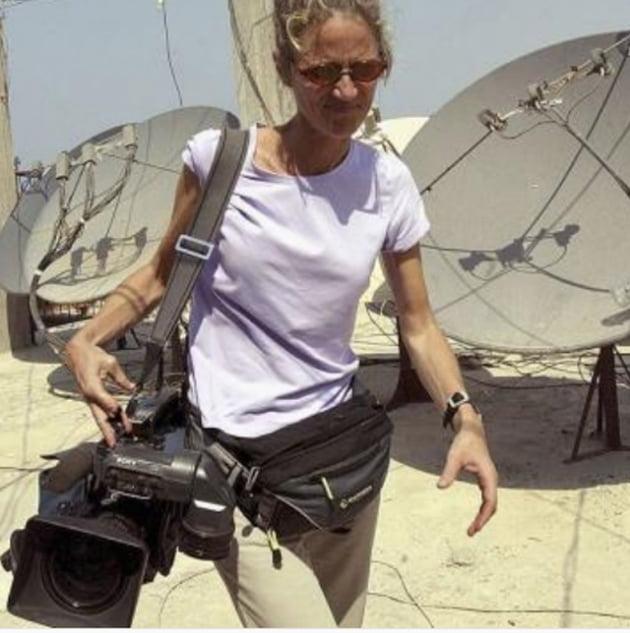 """[직업의 세계] """"역사의 현장을 목격하고 기록하며 보람 느끼죠"""", 40년 CNN 카메라 기자 '메리 로저스'"""