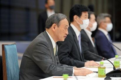 지난 18일 경제재정자문회의에서 호네후토 방침에 대해 발언하는 스가 요시히데 일본 총리(자료 : 아사히신문)
