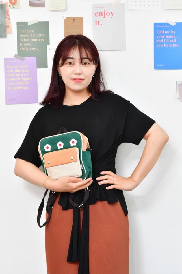 [광주북구 대학타운형 도시재생뉴딜사업] 감성과 스토리 담아 패브릭 제품 개발하는 '블루밍온'